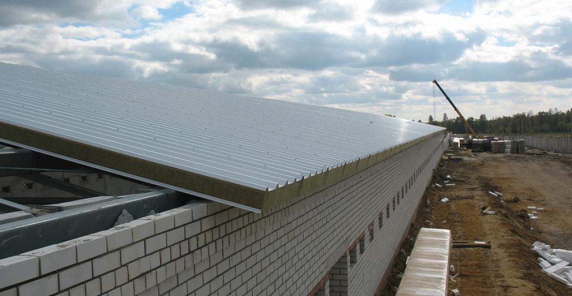 крыша из сендвич панелей
